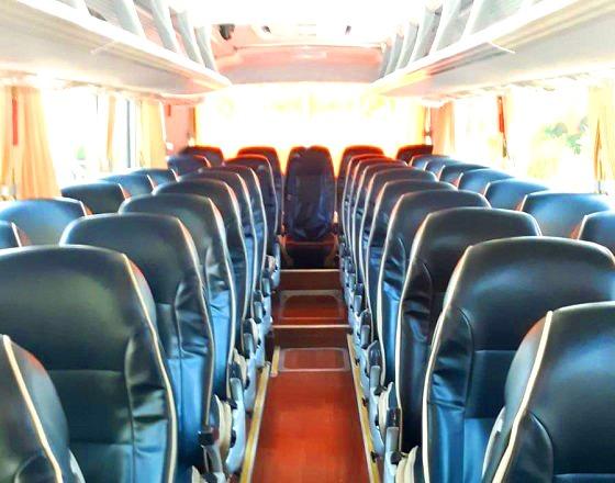 פנים האוטובוס בראש העין